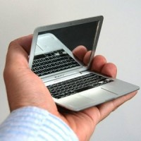 Macbook Compact Pocket Mirror