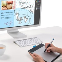 Wacom Intuos Pen and Touch Tablet (CTH680)